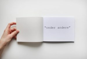 onder andere
